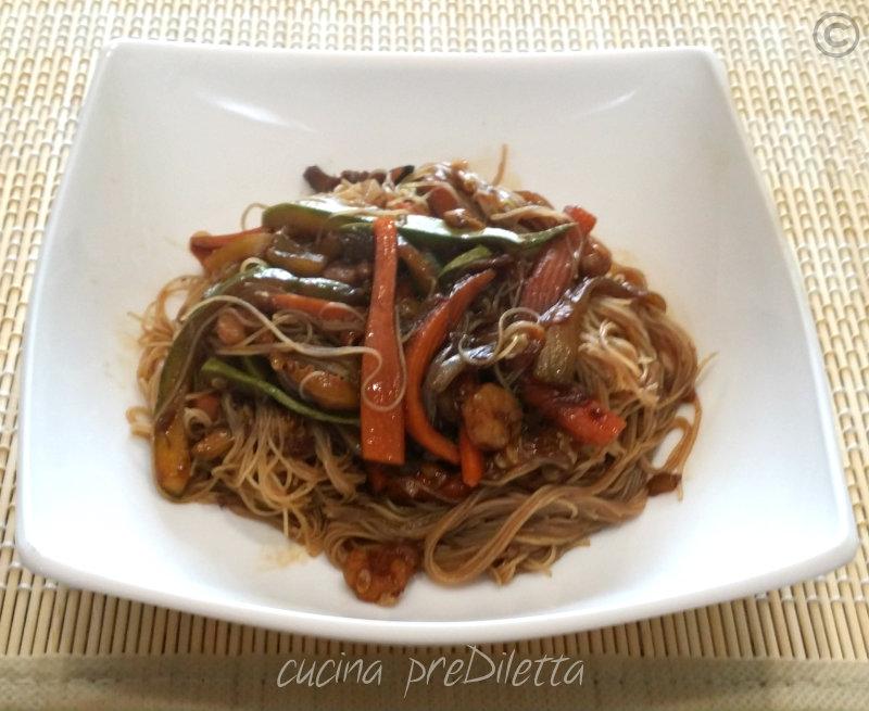 spaghetti di riso verdure e gamberetti | cucina prediletta - Cucinare Spaghetti Di Riso
