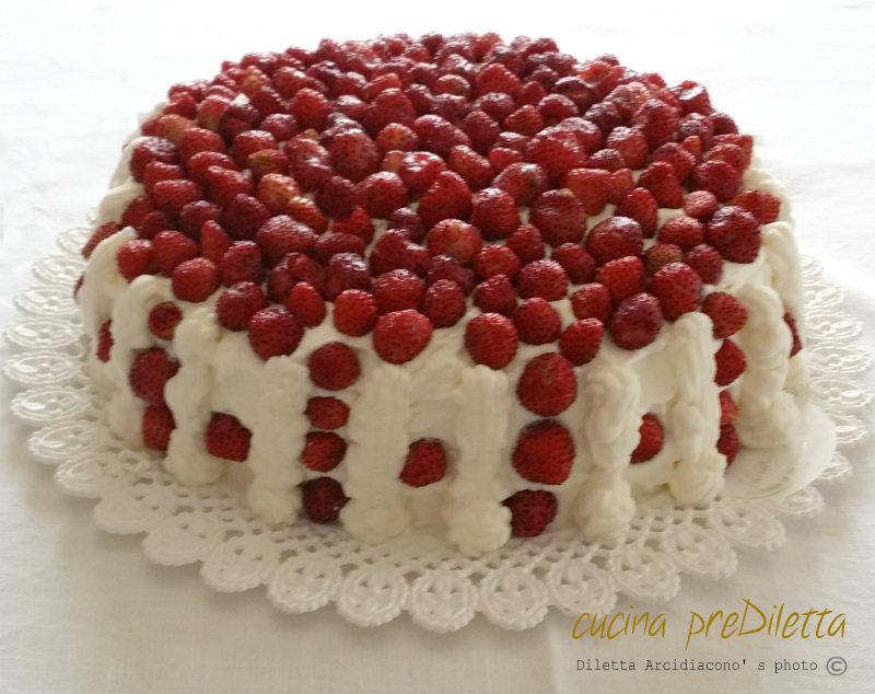 Torta fragoline di bosco ricetta torta con fragoline e panna cucina prediletta - Bagno per torte senza liquore ...