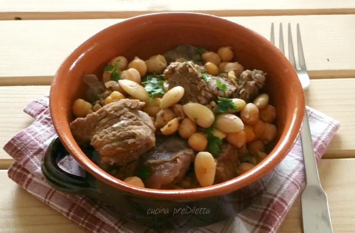 Spezzatino al curry con ceci e mandorle