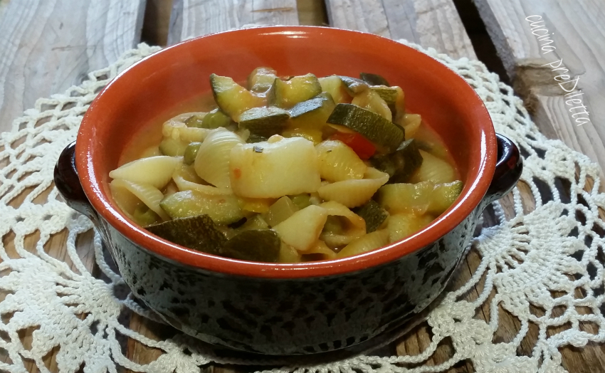 Minestra di pasta e verdure