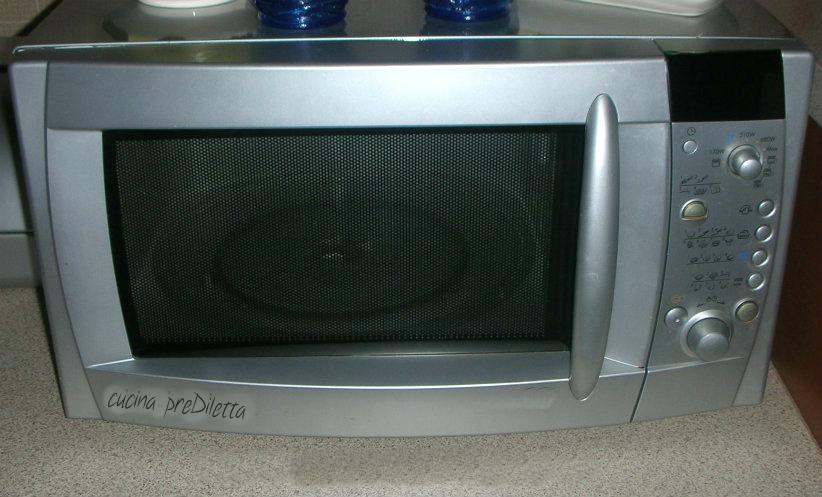 Forno a microonde pulizia cucina prediletta - Forno microonde e tradizionale ...