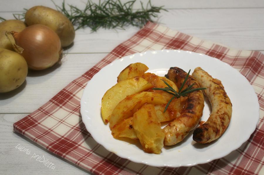 Salsiccia di pollo con patate al forno