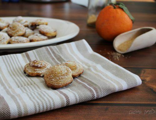 Dolcetti di pasta sfoglia all'arancia