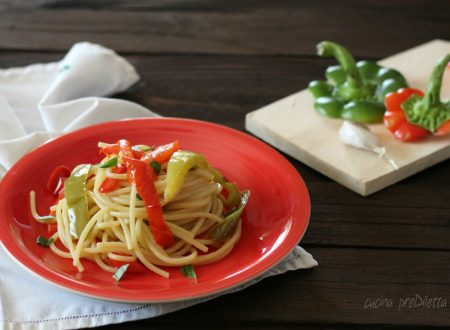 Spaghetti con peperoni fritti