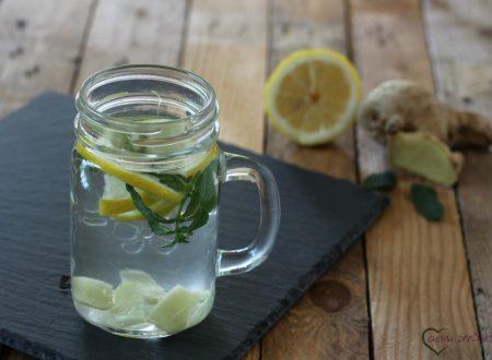 Acqua detox al limone, zenzero e menta