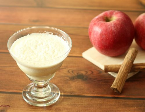 Smoothie di mela con cannella e miele
