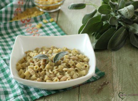Pasta e fagioli con pinoli e salvia