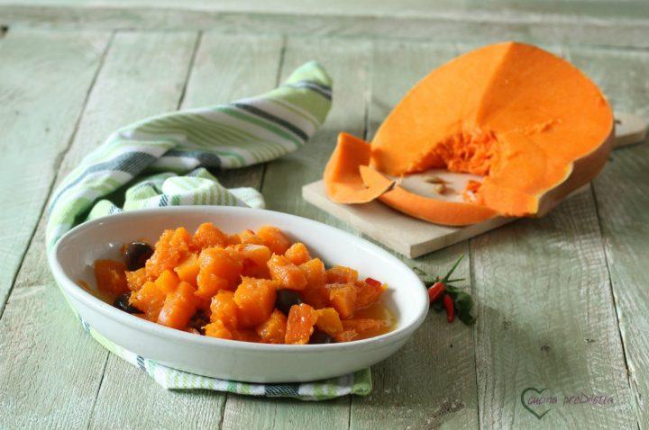 Zucca con olive e peperoncino