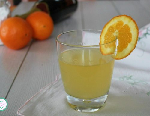 Aperitivo con spumante e succo d'arancia