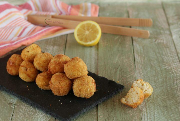 Crocchette di pesce con besciamella e riso