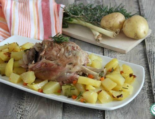 Stinco di maiale precotto con patate