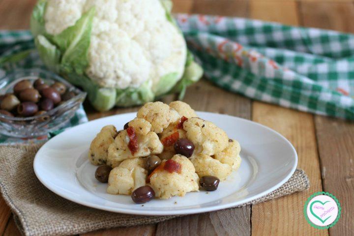 Cavolfiore con pomodori secchi e olive
