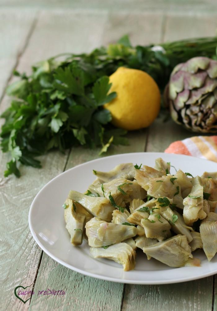 Cuori di carciofo in insalata