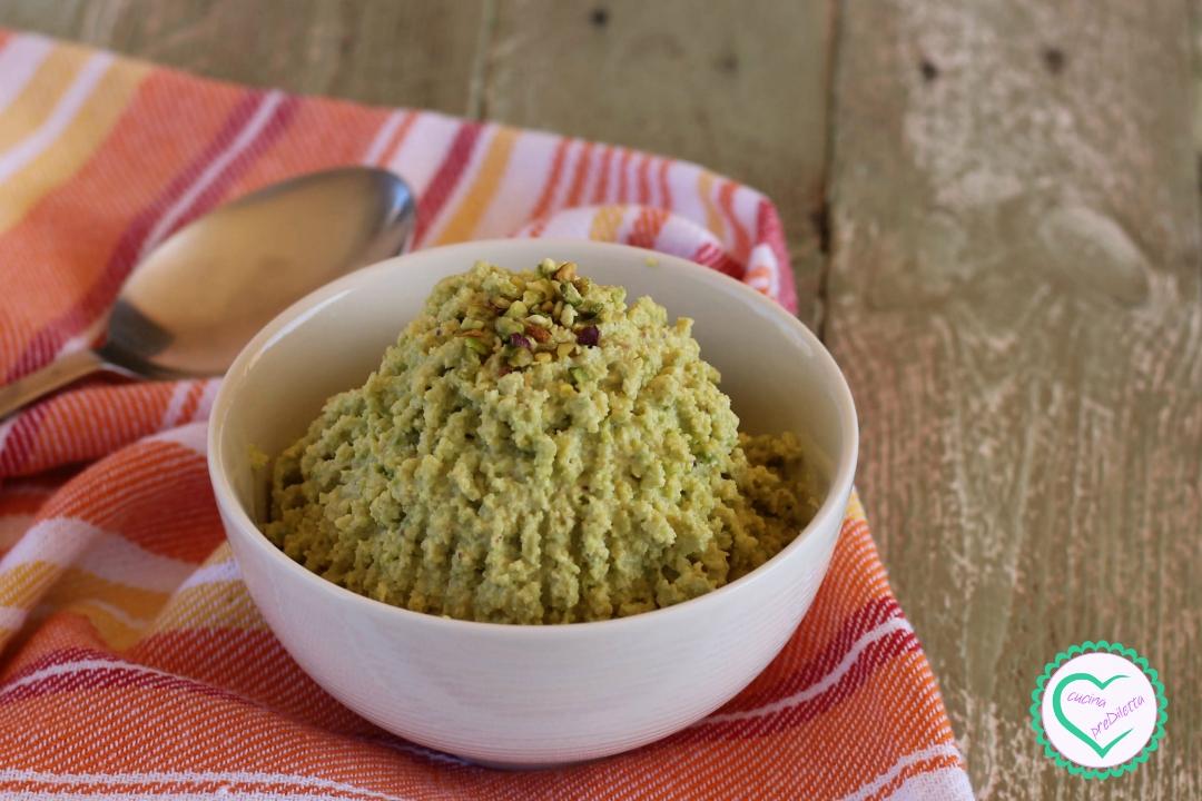 Mousse di avocado e pistacchi