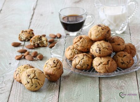 Biscotti cioccolato e mandorle