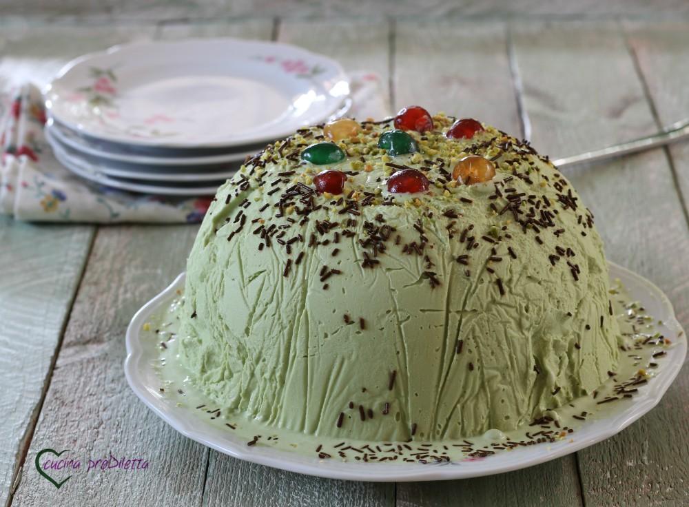 Cupola di gelato al pistacchio