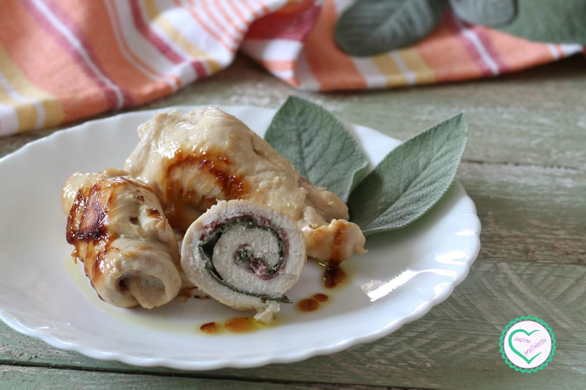 Involtini di pollo alla salvia e pancetta