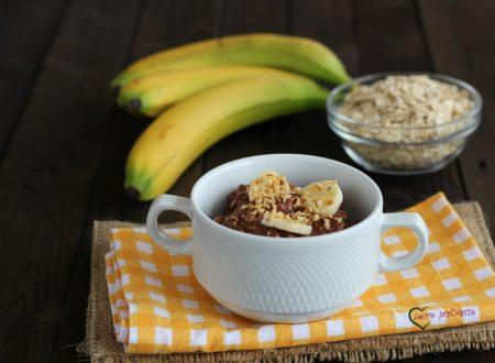 Porridge alla banana con cacao