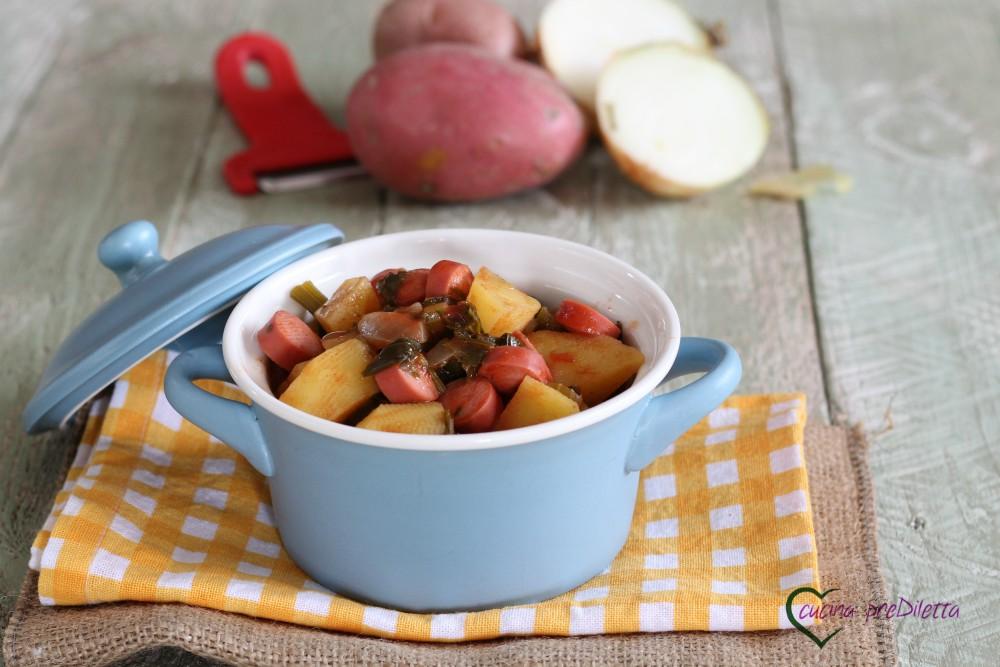 Zuppa sedano patate e wurstel