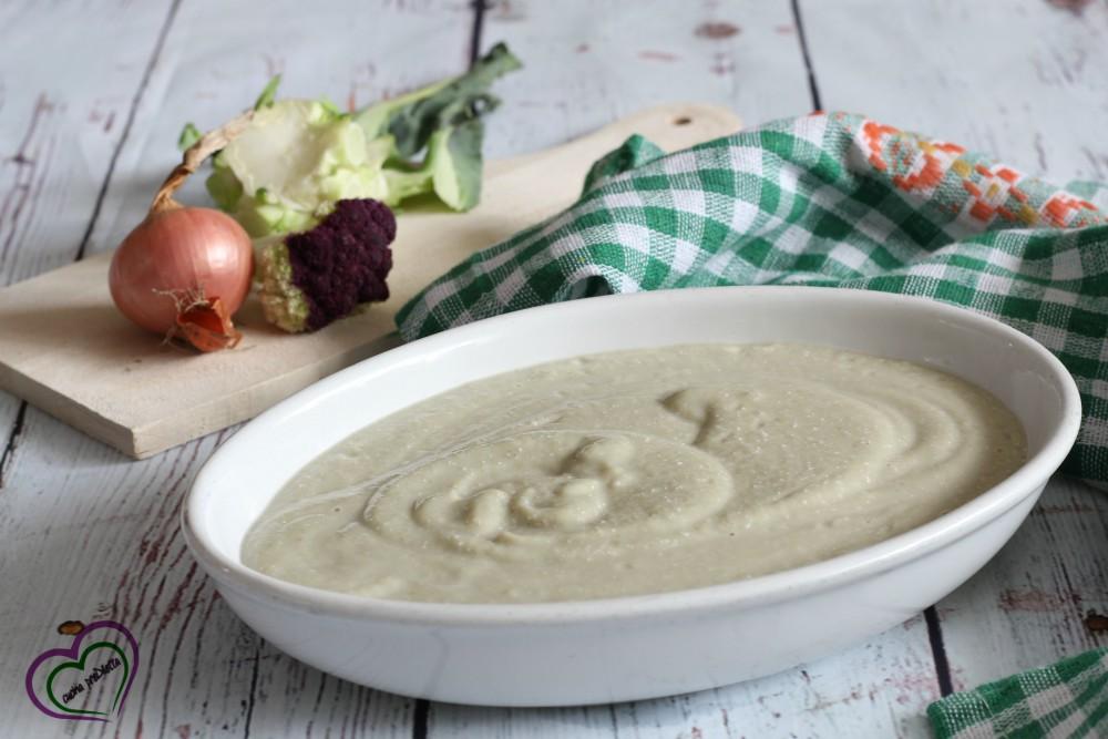 Crema di cavolfiore con formaggio spalmabile