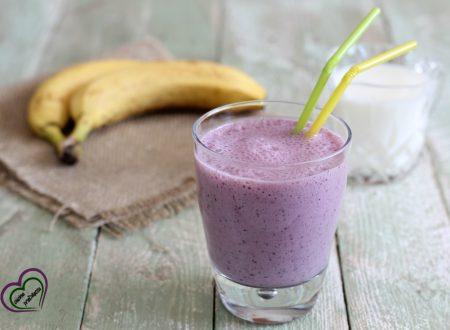 Frullato frutti di bosco e banane