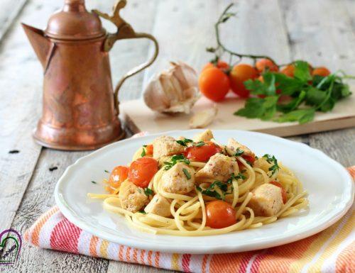 Pasta con pesce spada e pomodorini