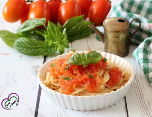 Pasta con pomodori grigliati nel forno