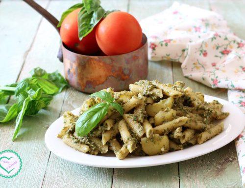 Pasta con patate e pesto alla trapanese