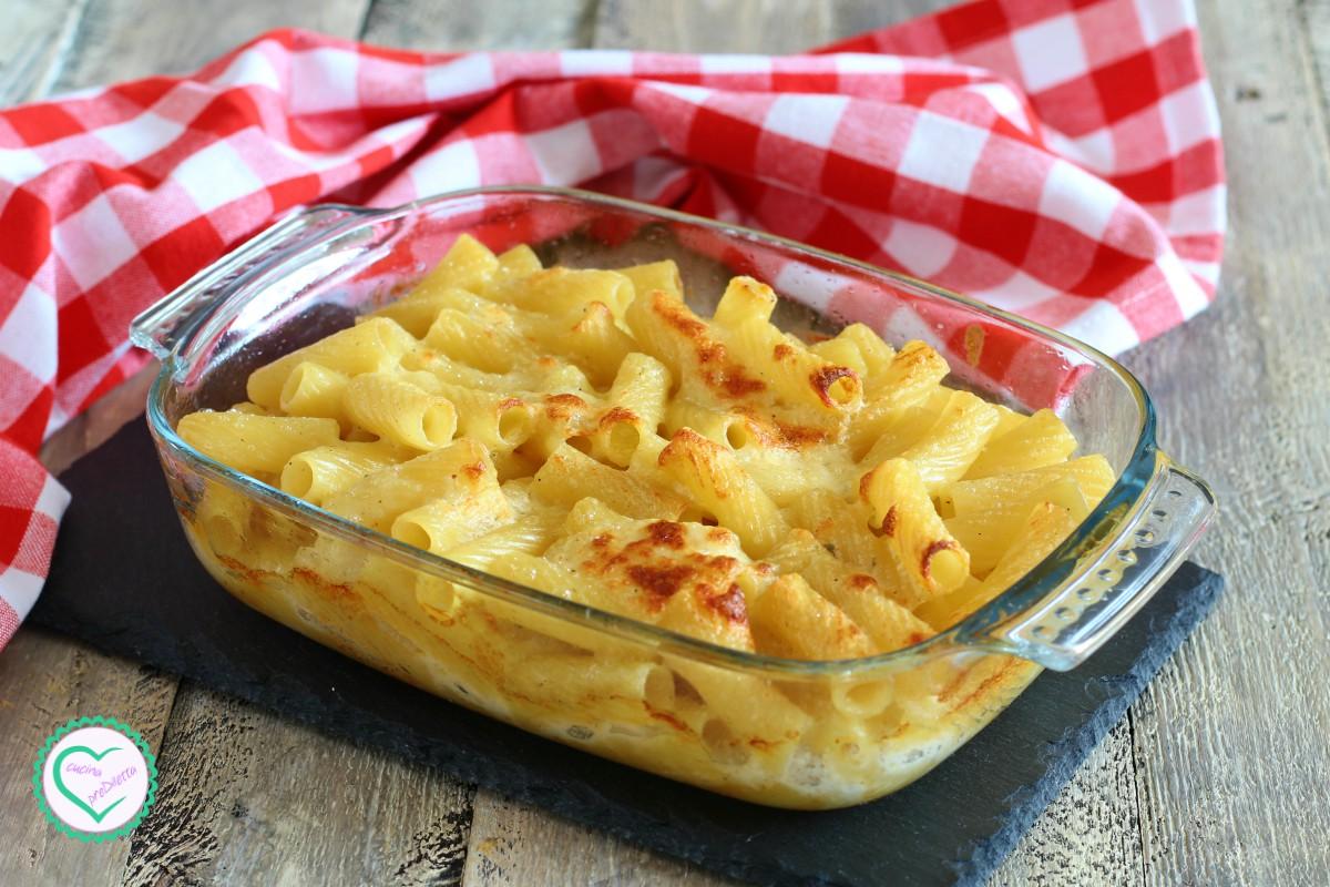 Pasta ai 4 formaggi gratinata in forno