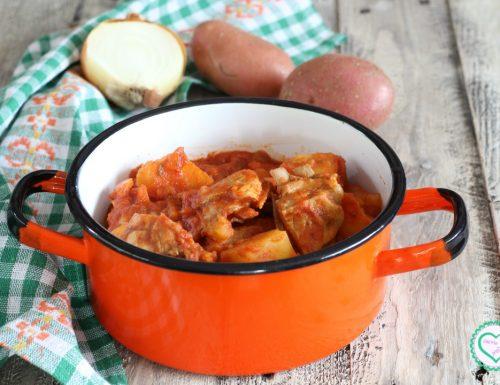 Agnello al sugo con patate