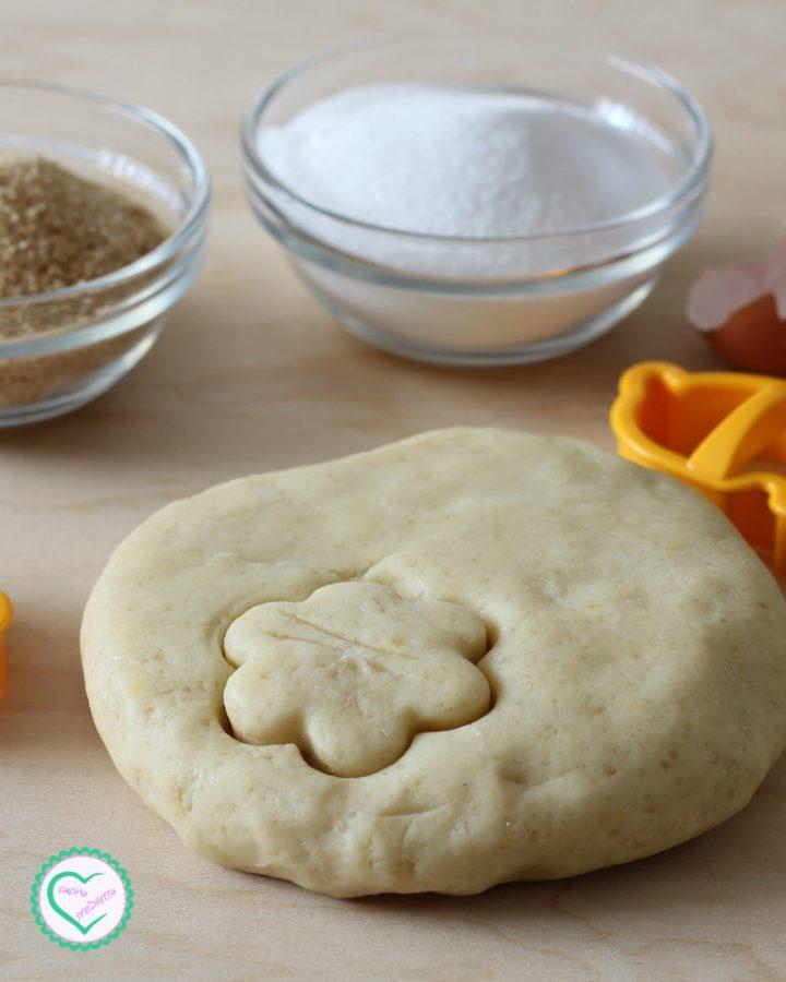 Pasta frolla con zucchero di canna e strutto