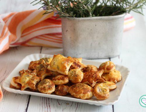 Stuzzichini di pasta sfoglia per aperitivo