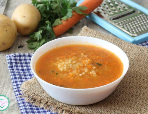 Pastina con patate e carote grattugiate
