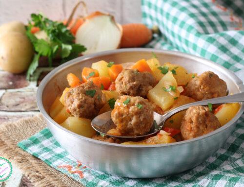 Polpette con patate in umido