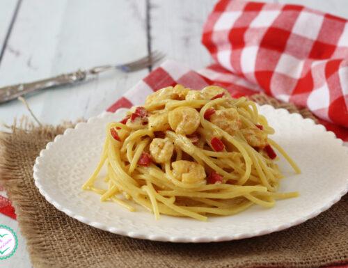 Pasta con gamberetti e peperoni