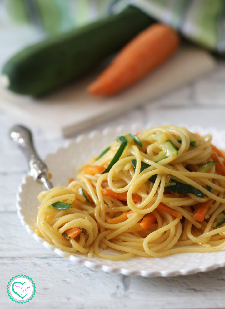 Spaghetti con zucchine e carote