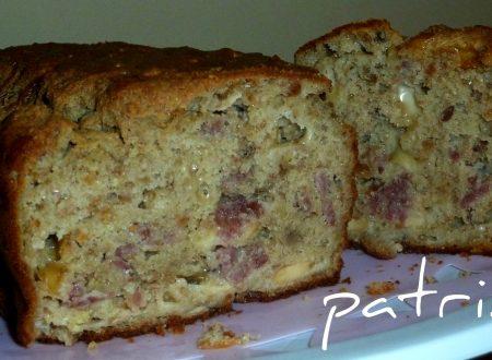plum cake salato scamorza e salame