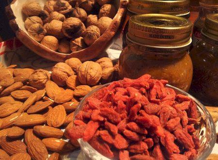 marmellata del buon risveglio, mele kiwi caco limoni con frutta secca e spezie