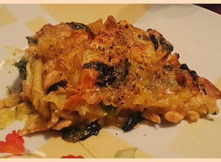 lasagne salmone e spinaci con besciamella alla curcuma