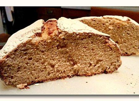 pane all'avena a lievitazione con kefir e cottura al forno in pentola