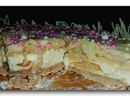 torta abbraccio di amaretti e nutella bianca al profumo di rosa