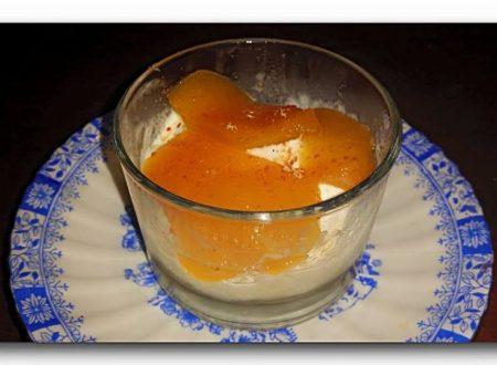 pesche sciroppate al miele e limoncello
