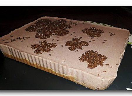torta fredda di yogurt e cacao