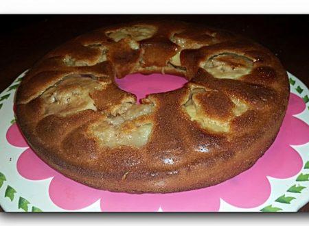 torta integrale rovesciata alle pesche tabacchiere, con miele e yogurt, senza uova