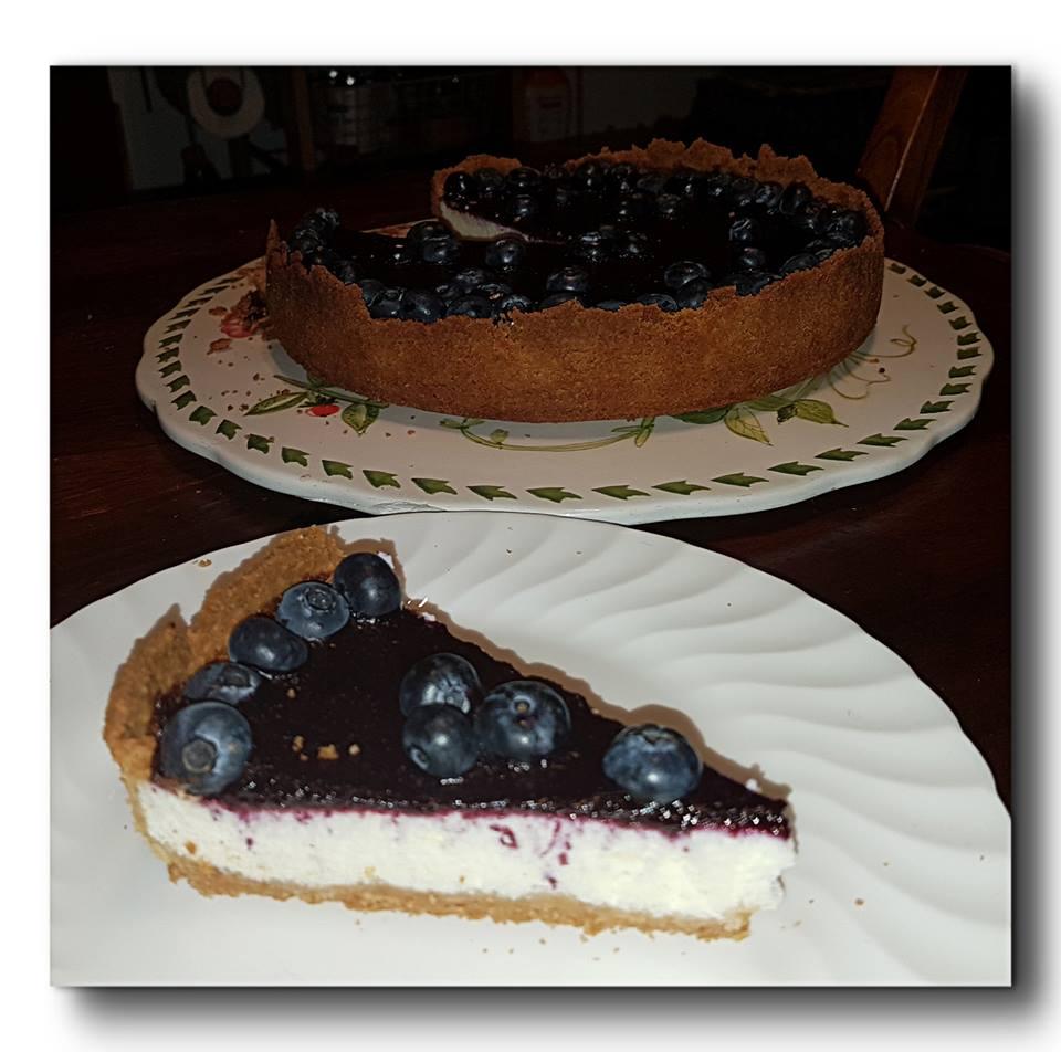 torta fredda di ricotta e mirtilli
