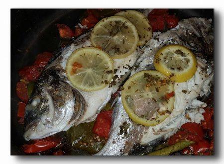 Orate al limone con aromi e pomodorini, ricetta light