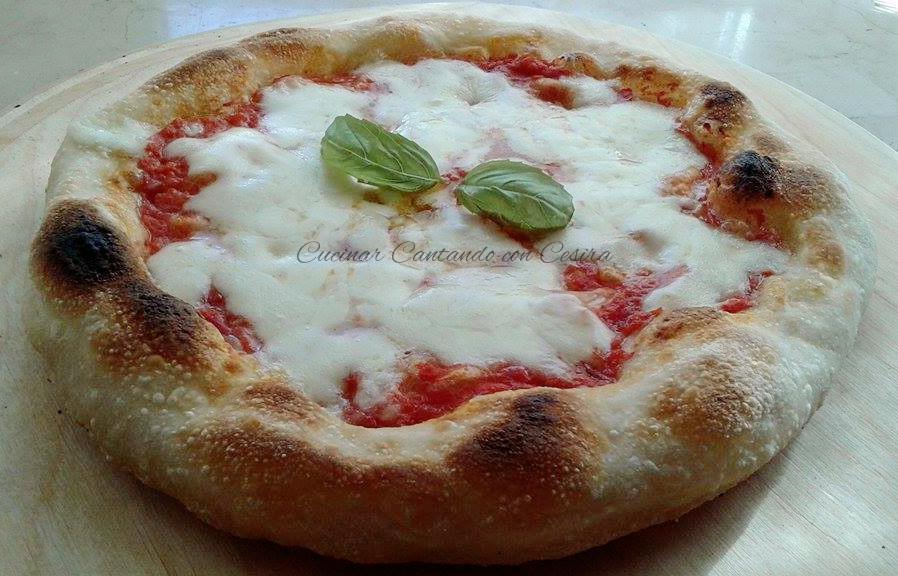 Pizza napoletana con lievito madre nel fornetto ferrari for Pizza con planetaria