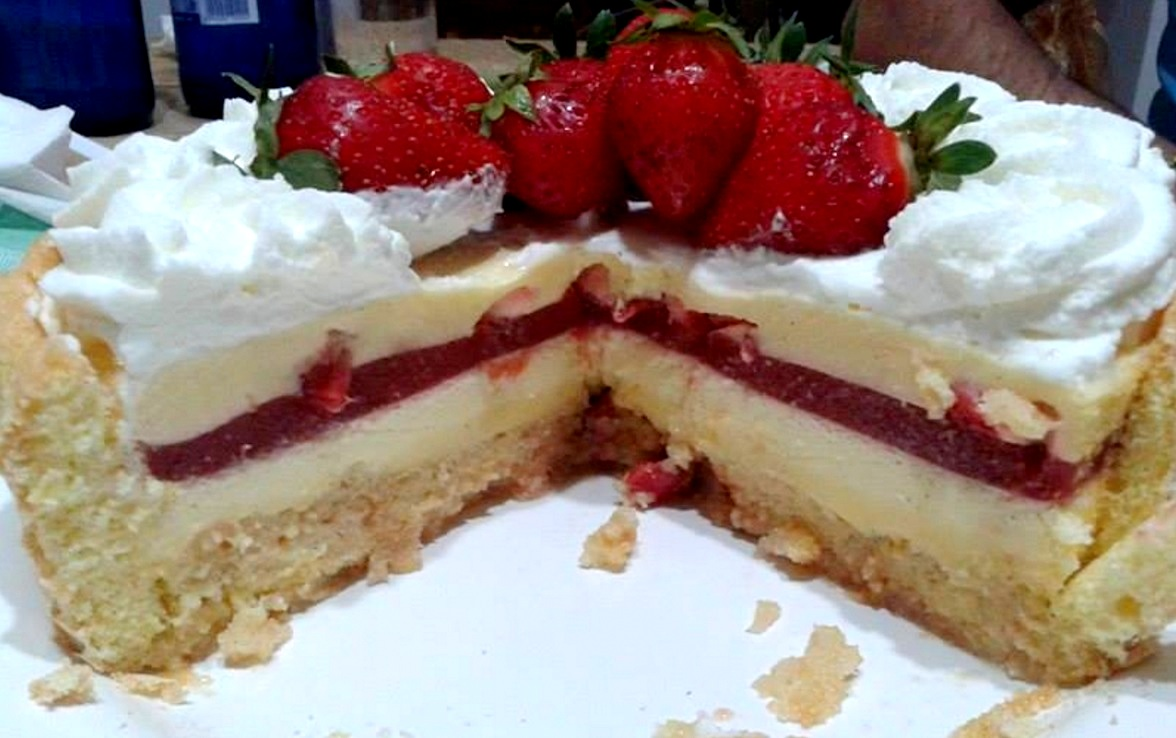 torta charlotte fragole