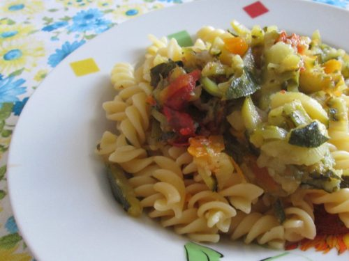 Pasta e verdure miste