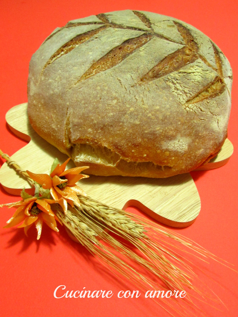 Pane di semola e farina con lievito madre
